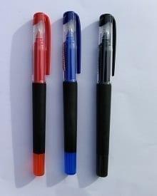 Stylo feutre de la marque premier prix 5 étoiles excellent rapport qualité prix. Décliné ici en trois couleurs représentant les incontournable de la fournitures scolaire. bleu, rouge et noir.